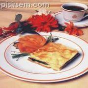 Ispanaklı Pastırmalı Su Böreği