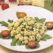 Karnabahar ve Taze Bitki Salatası