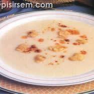 Yoğurtlu Tutmaç Çorbası