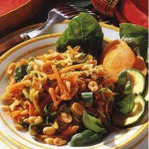 Fıstıklı Havuç Salatası