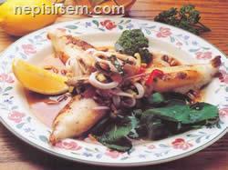 Kalamar Dolması İle Deniz Ürünleri Salatası  tarifi
