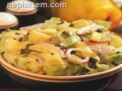 Ayvalı Tavuk Salatası  tarifi