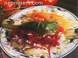 Mevsim Salatası (2 Kişilik) tarifi